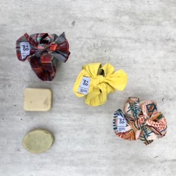 trio d'étuis en tissu multicolore pour produits d'hygiène solides
